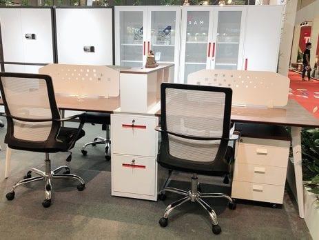 Có nên mua bàn ghế Hòa Phát trang bị cho phòng làm việc tại nhà